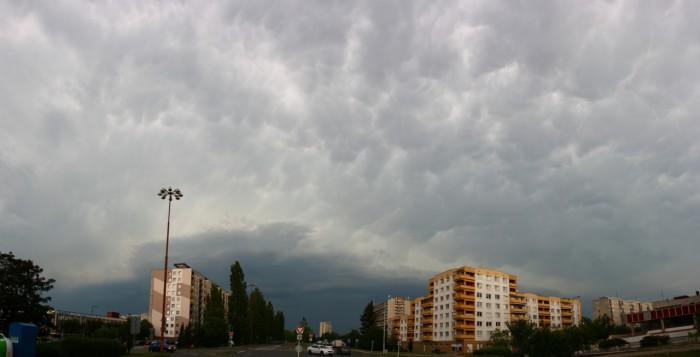 Příchod první bouřky - Shelf Cloud smammaty - autor: Ondřej Míl