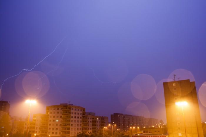 Druhá bouřka - vplné síle - autor: Ondřej Míl