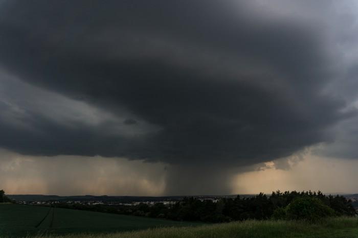 Mohutné bouřkové jádro 1 - autor: Luboš Opalecký