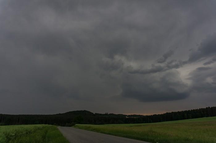Slábnoucí bouřka od jihu - autor: Luboš Opalecký