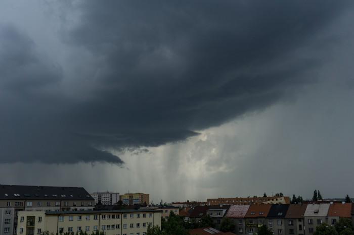 Arcus před bouřkou 2 - autor: Luboš Opalecký