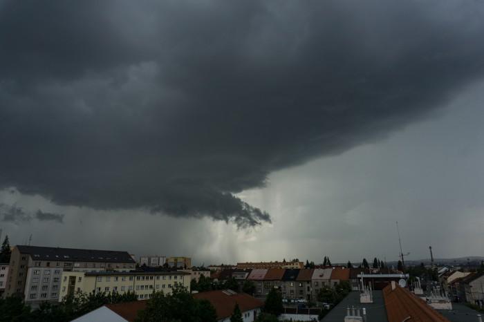 Arcus před bouřkou 4 - autor: Luboš Opalecký