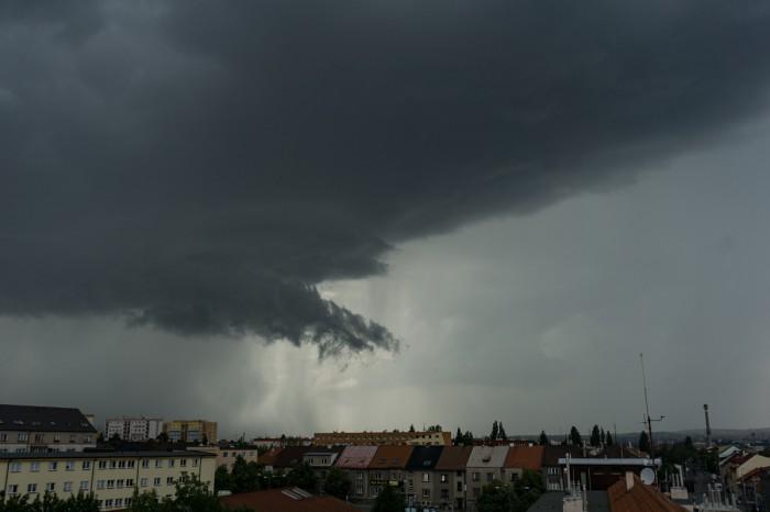 Arcus před bouřkou 3 - autor: Luboš Opalecký
