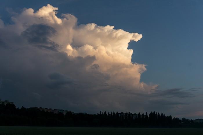 Večerní cumulonimbus 1 - autor: Luboš Opalecký