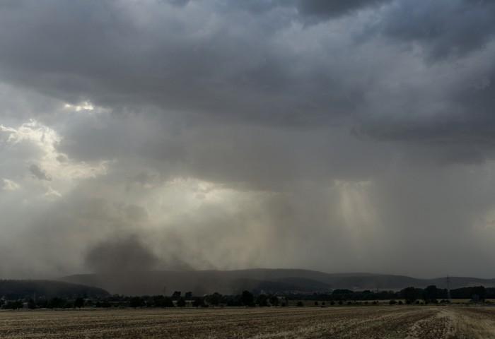 Příchod prašné bouře 1 - autor: Luboš Opalecký