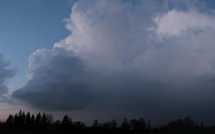 Panorama cumulonimbu - autor: Luboš Opalecký