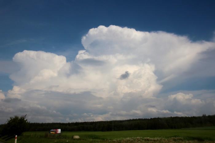 Dvojoce cumulonimbů - autor: Luboš Opalecký