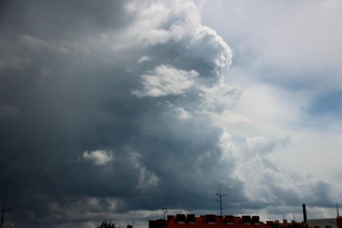 Vzestupný proud bouře - autor: Luboš Opalecký