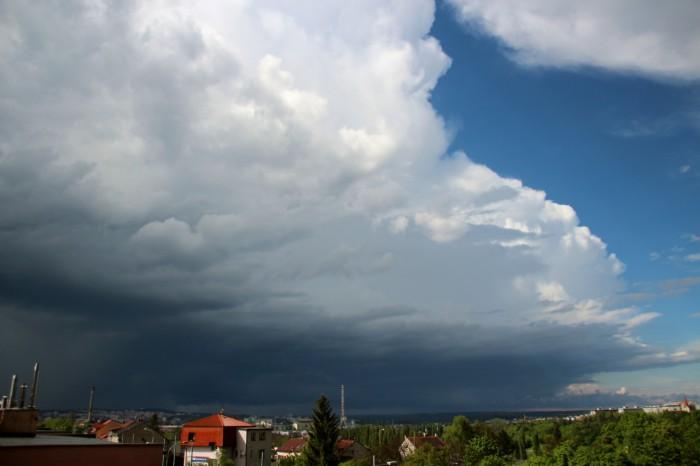 Bouře postupující severním Plzeňskem - autor: Luboš Opalecký