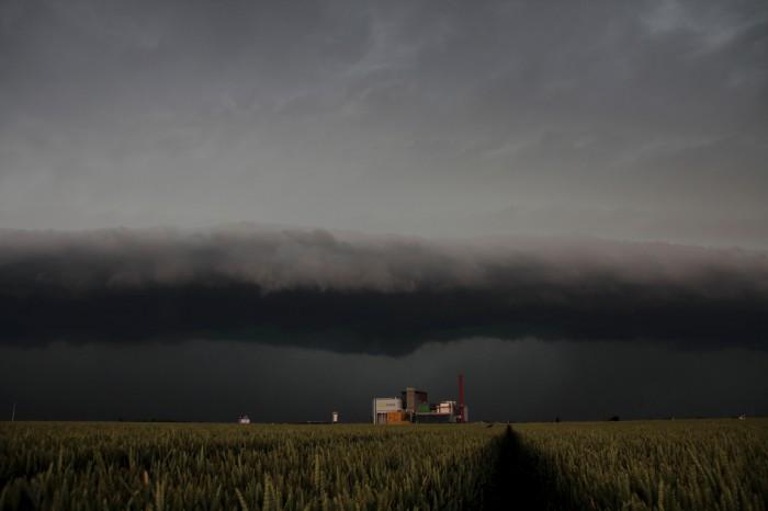 Shelf cloud blíže - autor: Luboš Opalecký