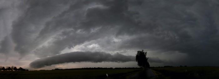 Druhá bouře sroll cloudem - autor: Luboš Opalecký