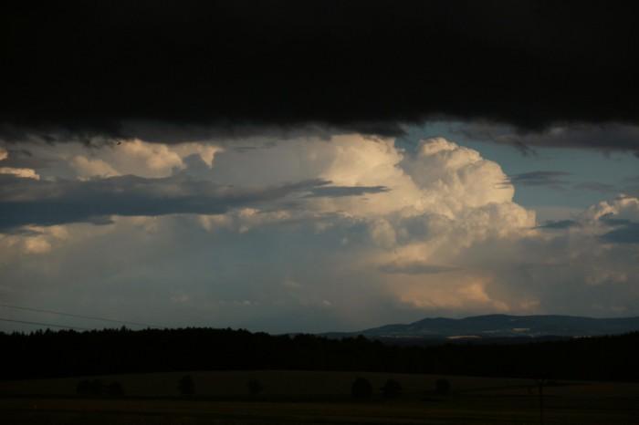 Zadní část bouře vRakousku 3 - autor: Luboš Opalecký