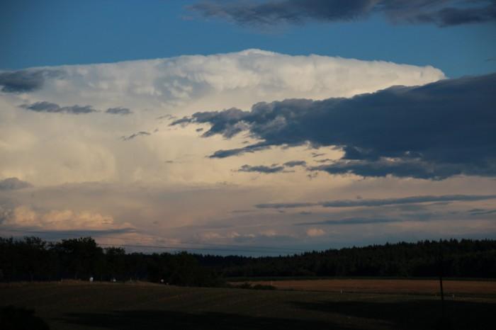 Vzdálená supercelární bouře vRakousku - autor: Luboš Opalecký