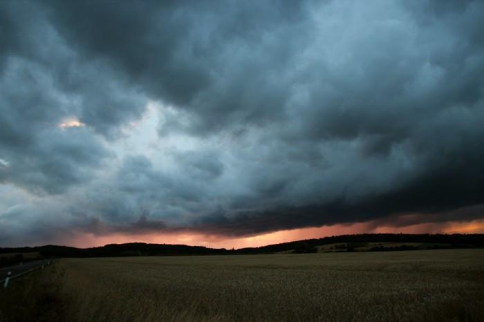 Přibližující se večerní bouřka 2 - autor: Luboš Opalecký