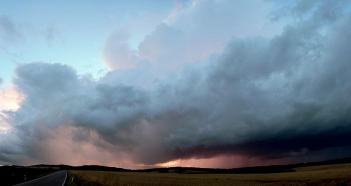Panorama večerní bouřky - autor: Luboš Opalecký