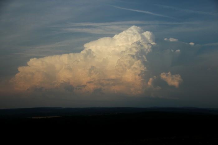 Bouře na východě - autor: Luboš Opalecký