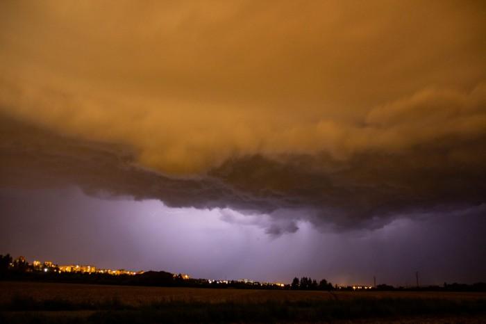 Čelo bouře 1 - autor: Luboš Opalecký