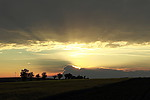 Slunce zapadající do Cb nad Krušnými horami - autor:
