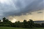 Slabý shelf cloud na přeháňce - autor: Dagmar Müllerová