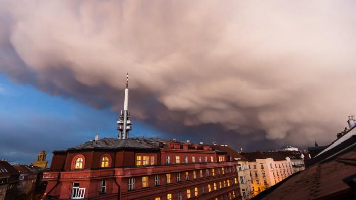 Večerní cumulonimbus smammaty - autor: Dagmar Müllerová