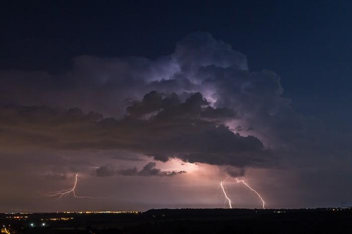 Kompletně nasvícená bouřka :-) - autor: Dagmar Müllerová