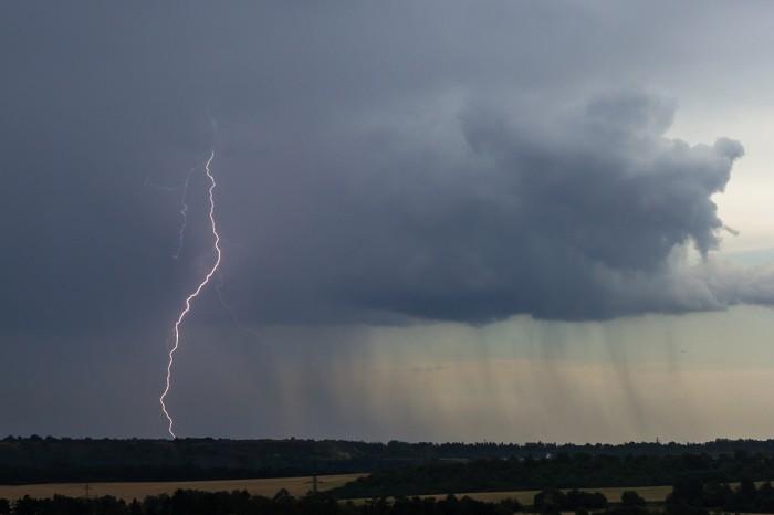 CG blesk na odcházející bouřce - autor: Dagmar Müllerová