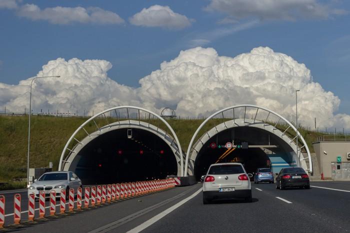 Konvekce nad Lochkovským tunelem - autor: Dagmar Müllerová