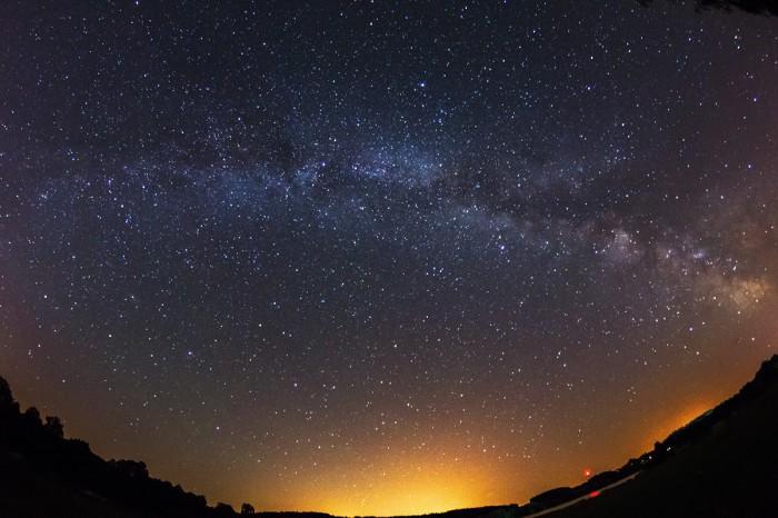 Mléčná dráha možná is náznakem airglow - autor: Dagmar Müllerová