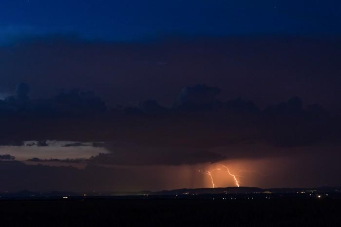 Vzdalující se bouřka na SZ - autor: Dagmar Müllerová