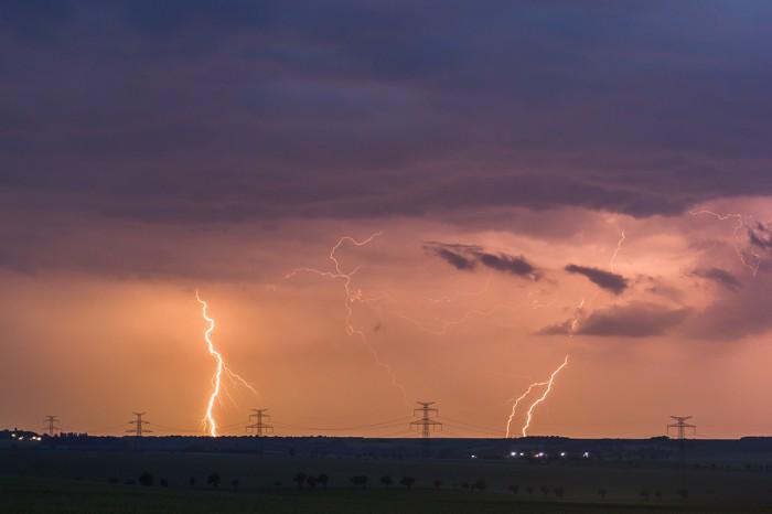 CG blesky na vzdalující se bouřce I- autor: Dagmar Müllerová