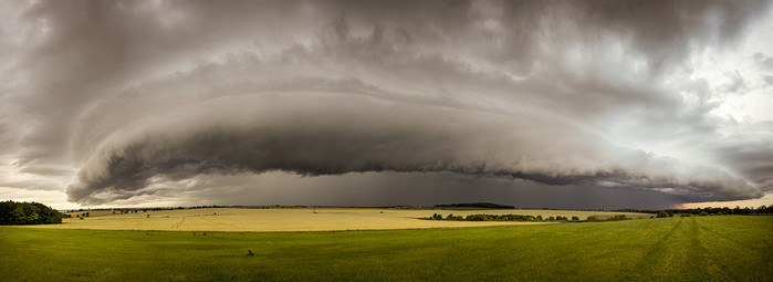 Shelf cloud - panorama  - autor: