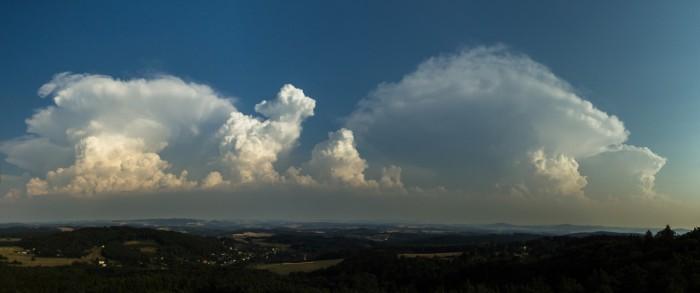 Panorama cumulonimbů - autor: Dagmar Müllerová