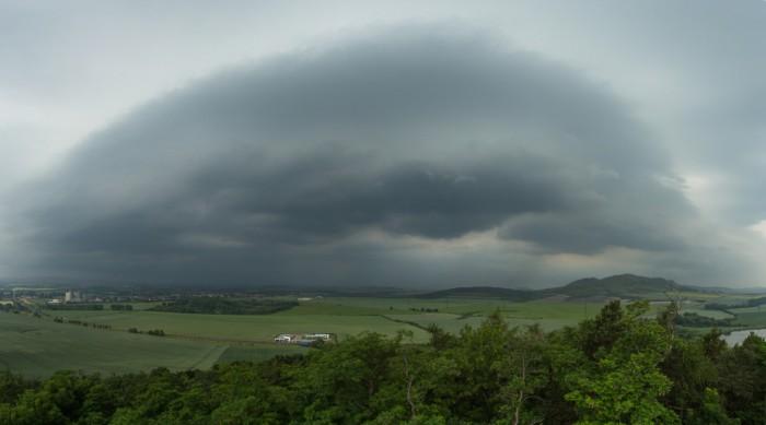 Panorama blížícího se shelf cloudu - autor: Dagmar Müllerová