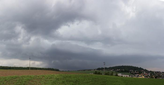 Přicházející bouře severně od Zbirohu - autor: Dagmar Müllerová