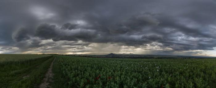 Panorama bouřky nad Hazmburkem - autor: Dagmar Müllerová