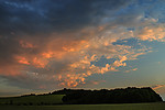 Mraky nasvícené zapadajícím sluncem - autor: Tomáš Chlíbec