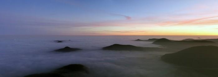 panorama inverze během západu Slunce - autor: Luboš Tuháček