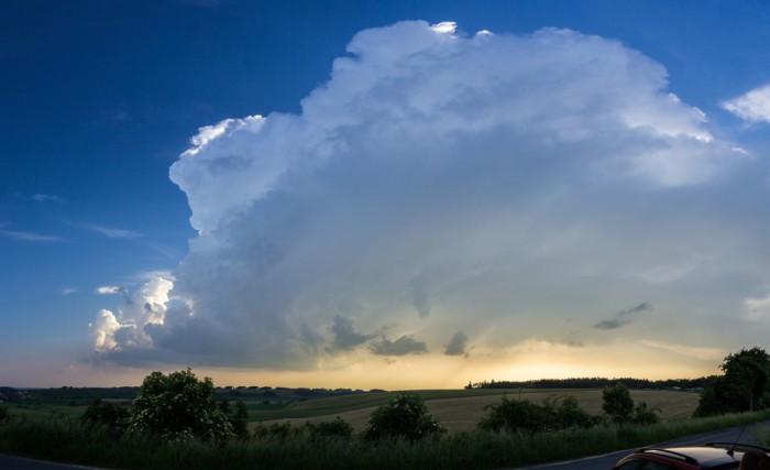 panorama bouře na Lounsku - autor: Luboš Tuháček