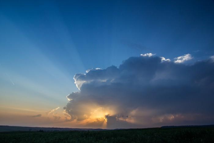 zánik bouře se slunečními paprsky - autor: Luboš Tuháček