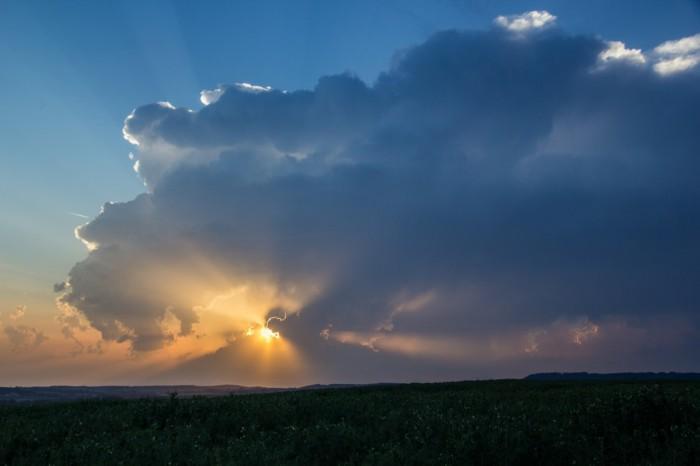 zánik bouře při západu slunce - autor: Luboš Tuháček