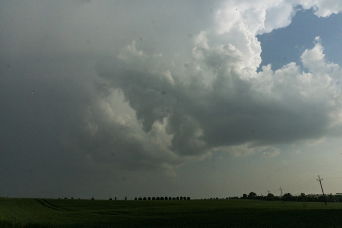 Podezřelá bouřka strombou, západní část - autor: Jan Džugan