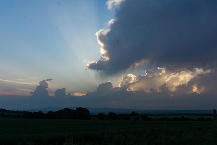 Konvekce po západu Slunce - autor: Jan Džugan