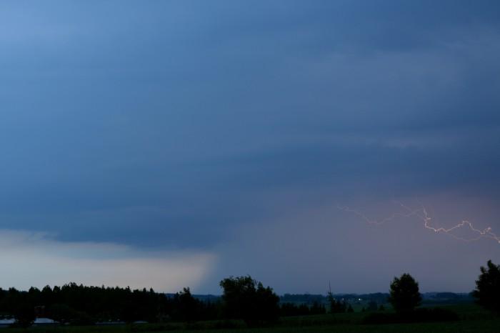 Bouřka od jihozápadu sCC bleskem - autor: Jan Džugan