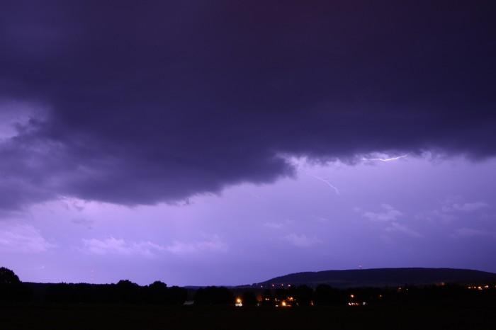 Slábnoucí bouřka - autor: Jan Džugan