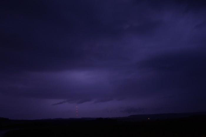 Druhá vlna bouřek snevýraznou strukturou - autor: Jan Džugan