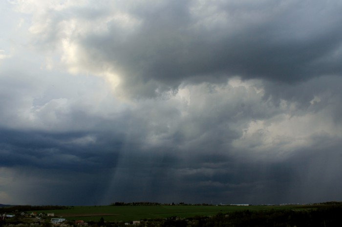 Základna první bližší bouřky - autor: Jan Džugan