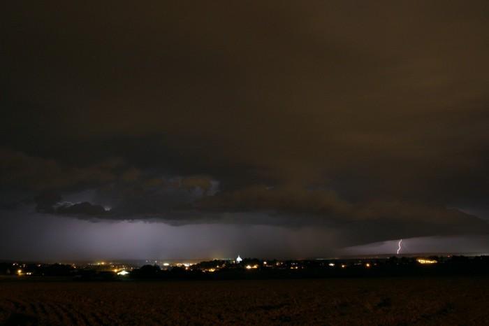 Čelo bouře sCG bleskem - autor: Jan Džugan