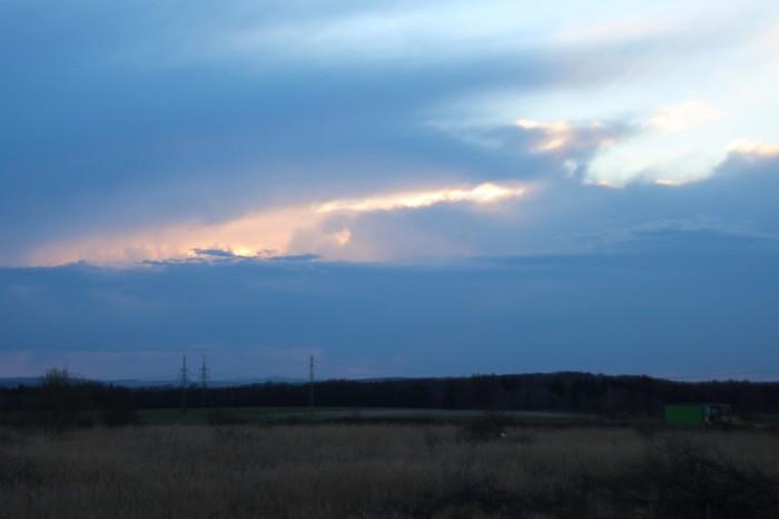 Kovadlina vzdálené bouřky - západní část - autor: Jan Džugan