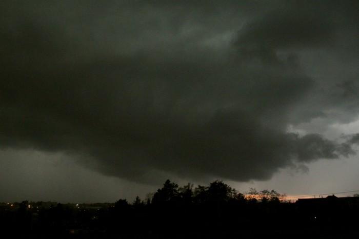 Shelf cloud již nad námi - autor: Jan Džugan