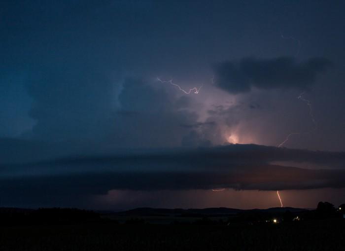 Bouře překračující hranice - autor: Jan Džugan